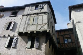 Immeuble avec trois appartements