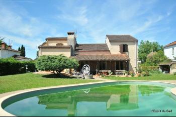 Maison de qualité à Gaillac, au calme, piscine