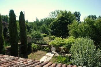 Belle demeure  avec jardin au bord de la rivière