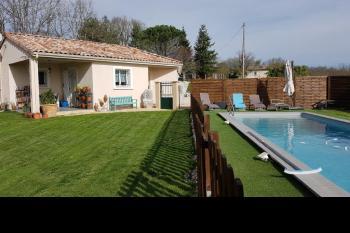 Maison plain-pied en campagne, piscine, jardin