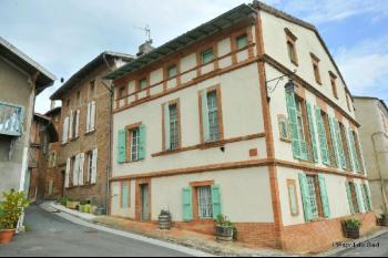 Nice bourgeois house, terrace, garage and loft