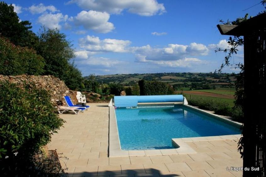 Maison en pierre r nov e grange jardin piscine l for Piscine bois tarn