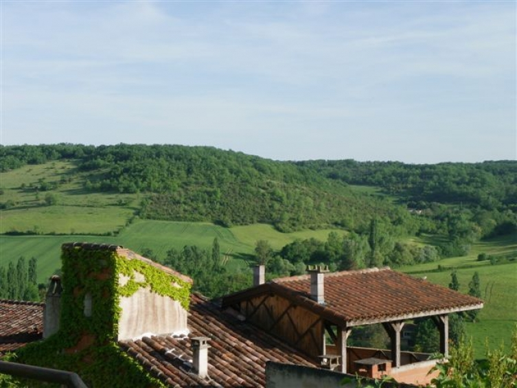 Maison de style gothique dans cordes sur ciel avec - Maison jardin et terrasse 3d ...