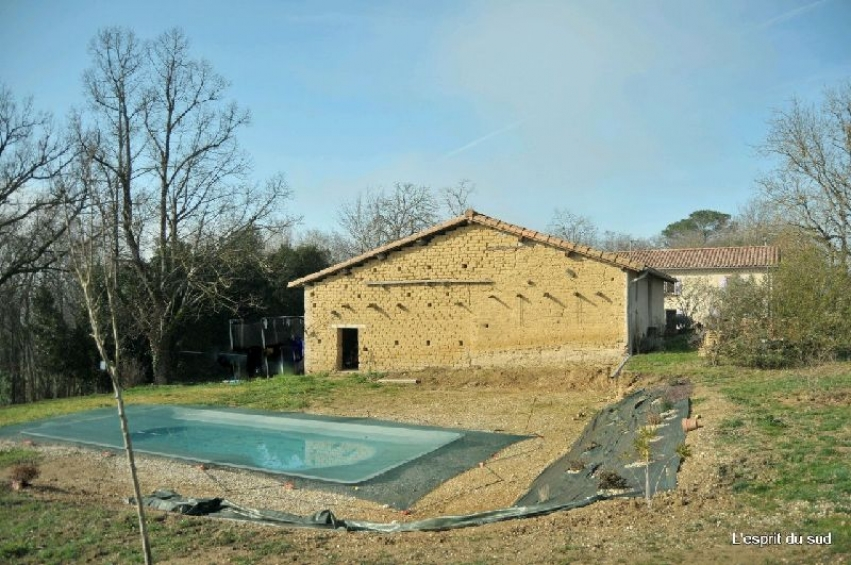 Quelques minutes de gaillac jolie long re r nov e 1 88ha for Piscine bois tarn