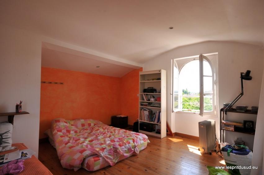 maison de charme avec d pendance et jardin l 39 esprit du. Black Bedroom Furniture Sets. Home Design Ideas