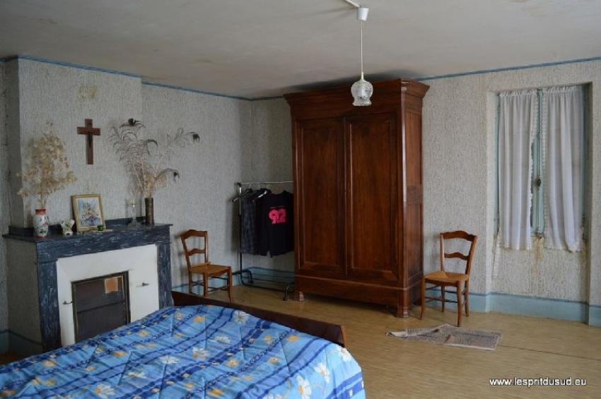 ferme authentique et d pendances sur environ l. Black Bedroom Furniture Sets. Home Design Ideas