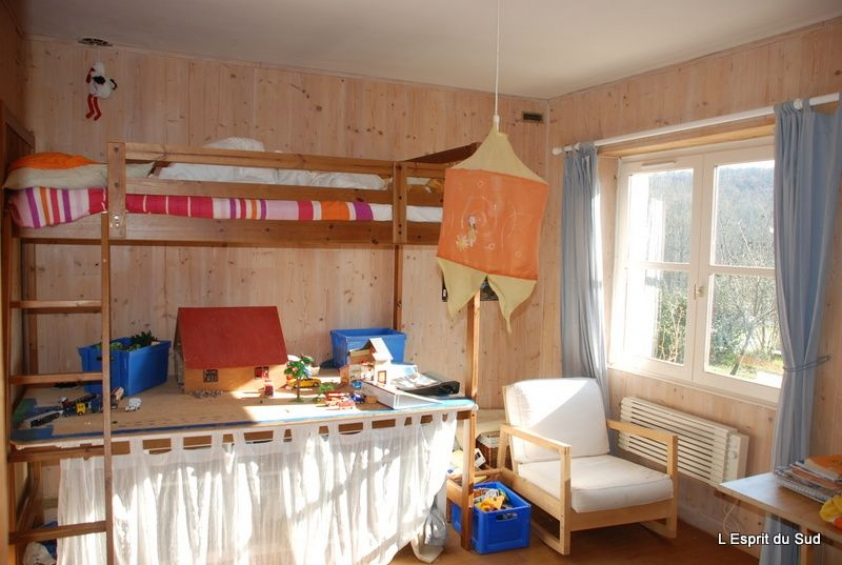 chouette petite maison de campagne avec son jardin l. Black Bedroom Furniture Sets. Home Design Ideas