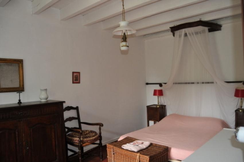 une ancienne m tairie au bord du tarn l 39 esprit du sud. Black Bedroom Furniture Sets. Home Design Ideas