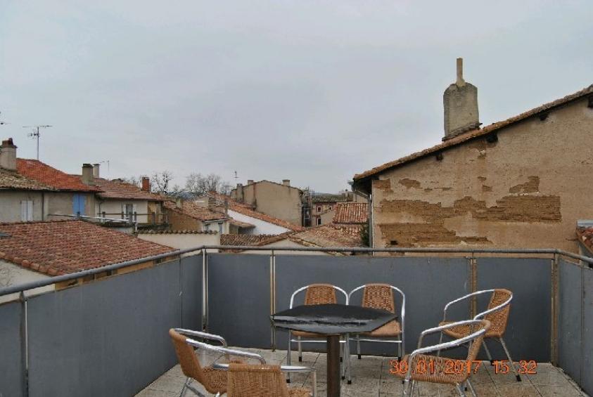 appartement duplex avec terrasse l 39 esprit du sud agence. Black Bedroom Furniture Sets. Home Design Ideas