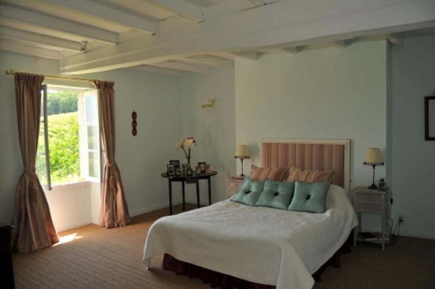 un air de toscane l 39 esprit du sud agence immobili re. Black Bedroom Furniture Sets. Home Design Ideas