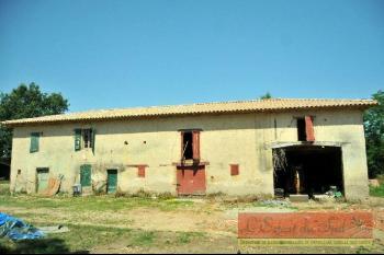 Une ancienne ferme Tarnaise à la campagne