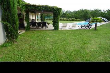 Villa  avec deux logements sur 4423m2 de jardin