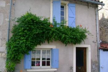 Une petite maison cordaise bien exposée