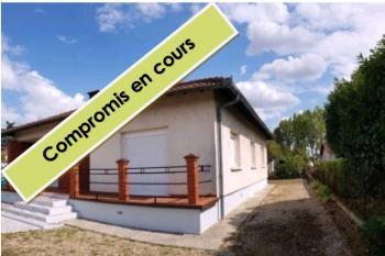 Maison traditionnelle rénovée de qualité, garage