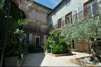 Very nice bourgeois house in the city centre