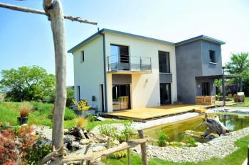 Maison d'architecte, panorama et piscine naturelle