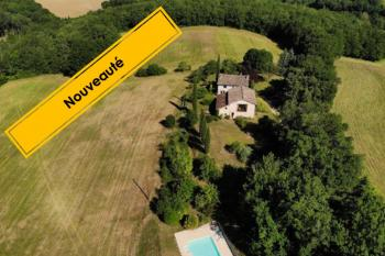 This beautiful country property sits on around 9.7 hectares of land