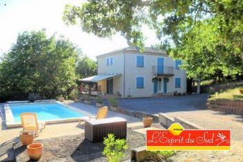 Maison lumineuse au calme, terrasse et piscine