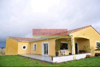 Maison haut de gamme, terrasse, jardin et garage