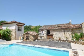 Charming property in a rural setting surrounded by around10 hectares
